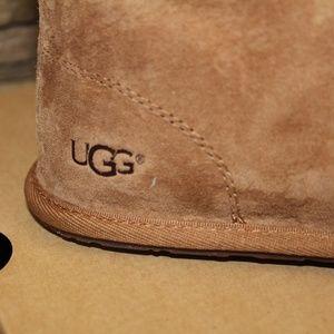 b4d10f0272f UGG Australia KALLEN Suede Moc Toe Pom Pom Slipper Boutique